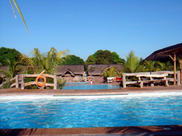 Sunglowed residencia de riego resort - Residencia de manila swimming pool ...