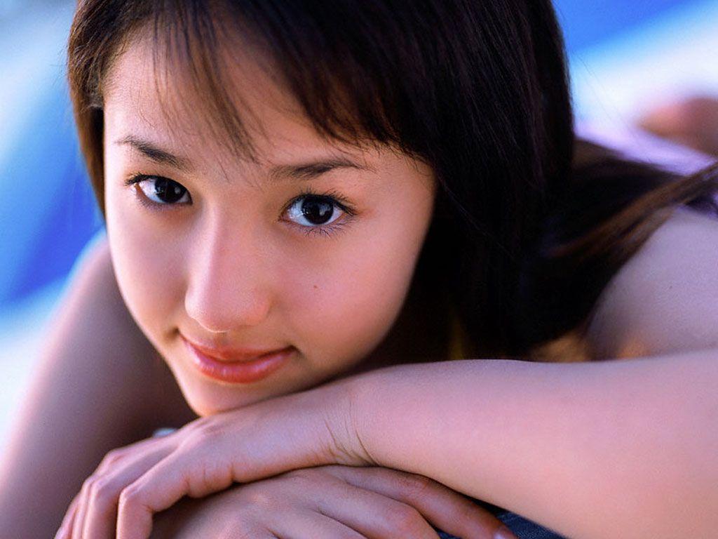 http://2.bp.blogspot.com/_DTOZWeUDiyk/TU-DD-U4_7I/AAAAAAAAAAk/83UQnLBv8qY/s1600/erika_sawajiri-200907032225452.jpg