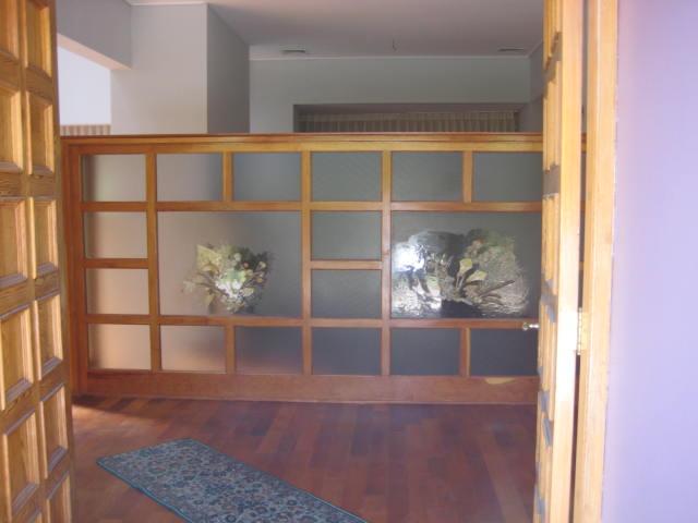 Vendo mi casa amplia entrada - Divisiones en madera ...