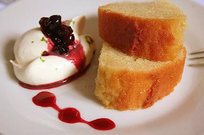 Cake Vin Blanc Tupperware