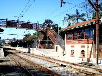 Pacata estação de trem