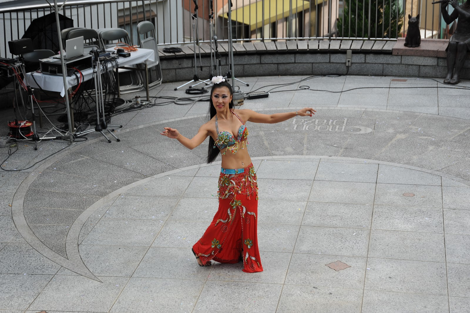 essays on belly dancing America tru provides san antonio entertainment, classes, and even fire shows contact: america@bellydancebyamericatrucom for more information.