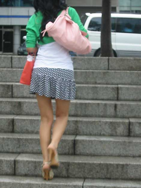 Mini-photo de la jupe dans la rue 2
