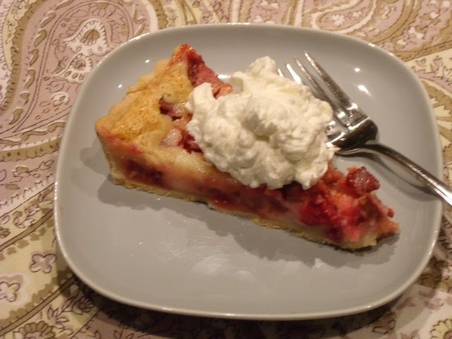 Celebration of Food: Rhubarb Sour Cream Pie