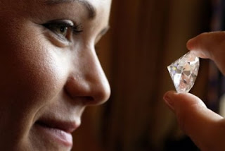 Worlds Largest Colorless Diamond
