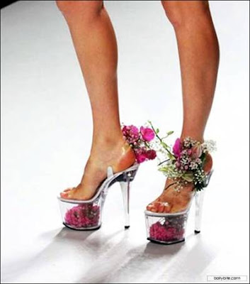 Special shoes u never see @ strange picture