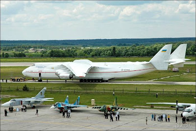 World's Largest Cargo Plane -Antonov 225 @ STRANGE WORLD