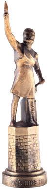 Figur på piedestal