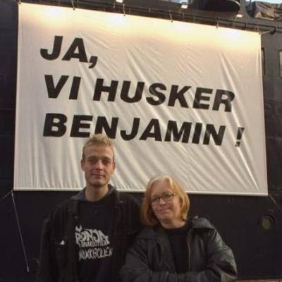 JA, vi husker Benjamin ! - Kunstudstilling på Færgen Kronborg, 1994