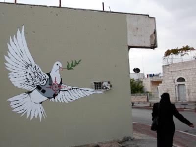 Fredsdue i sigtekornet (Banksy)