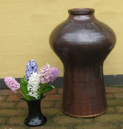 Keramik krukke af Helle Allpass