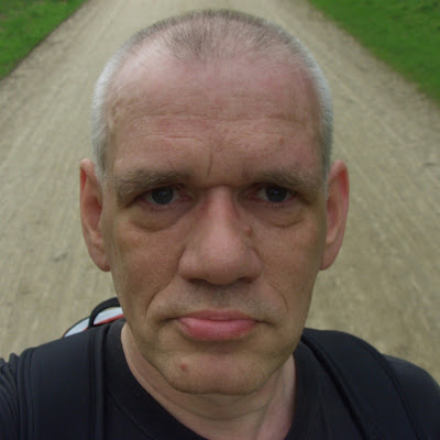 Johnnie Hougaard Nielsen - et selvportræt fra en cykletur i Dyrehaven