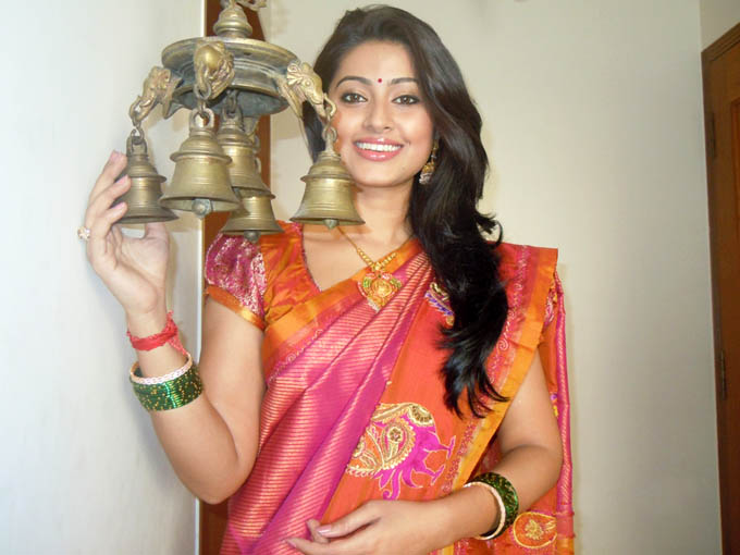 sneha pongal special traditional saree latest photos