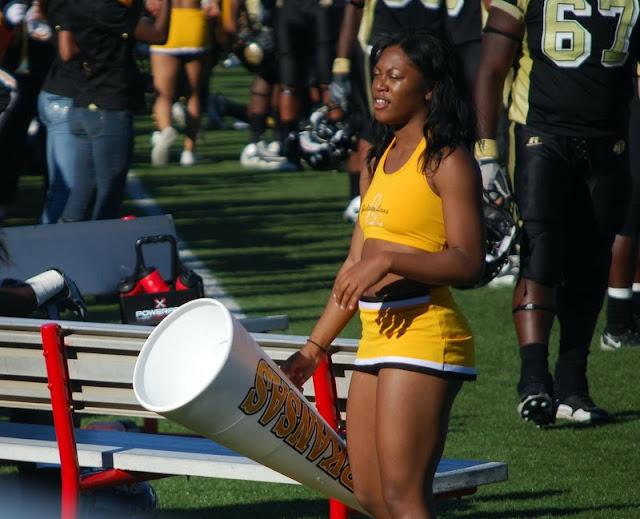 Nfl Cheerleader Wardrobe Malfunction Http Www