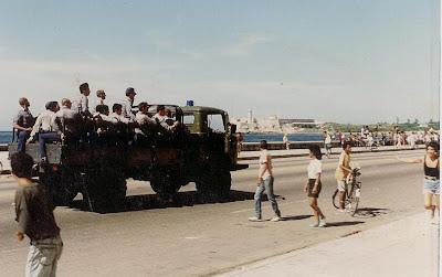 SACADO DEL BLOG DESARRAIGOS PROVOCADOS,una serie de fotos ineditas de lo que se vivio aquel dia... Opstand+Havana+29