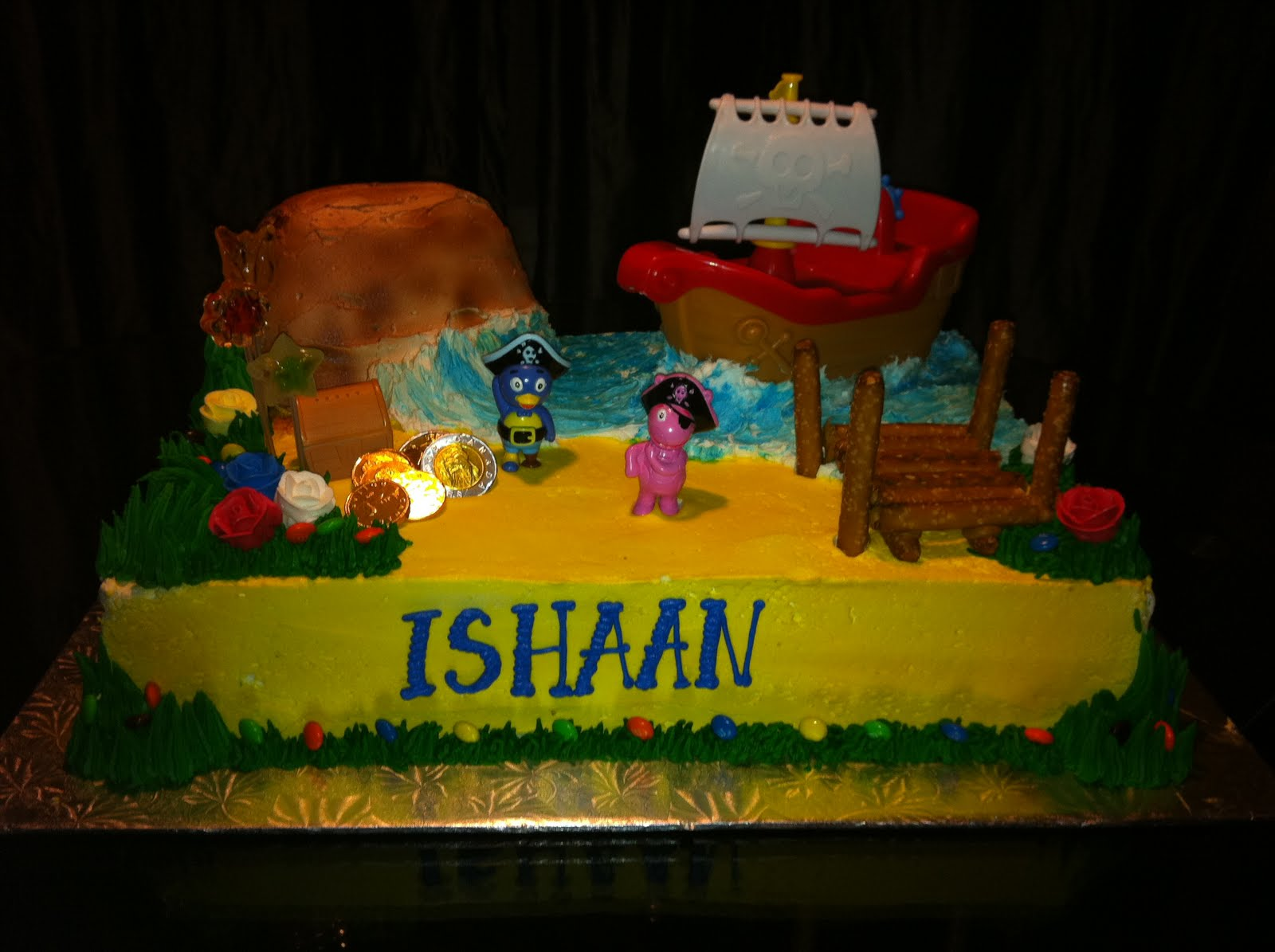 Jocelyn\'s Wedding Cakes and More....: Backyardigans Pirate Cake ...