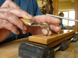 jon mac+spoon carving courses