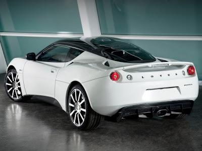 http://2.bp.blogspot.com/_D_RRrIu8FXM/S7gEJNgTzVI/AAAAAAAALUQ/jnwrB3AbYeg/s400/Lotus-Evora-Carbon-Concept-2010-Rear-Side-View-+oto-trend.blogspot.com+c.jpg