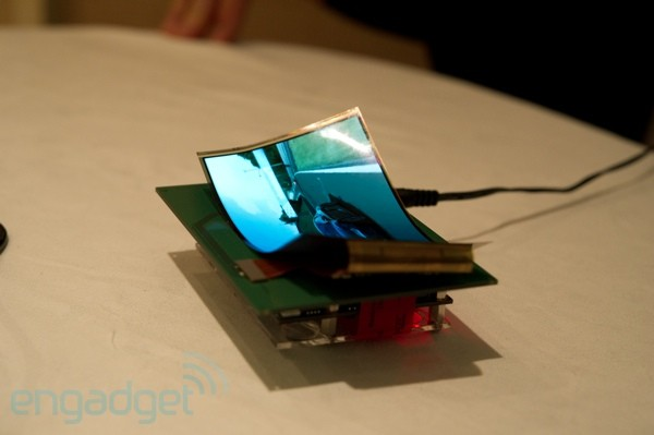 Samsung flexible and transparent displays at CES 2011