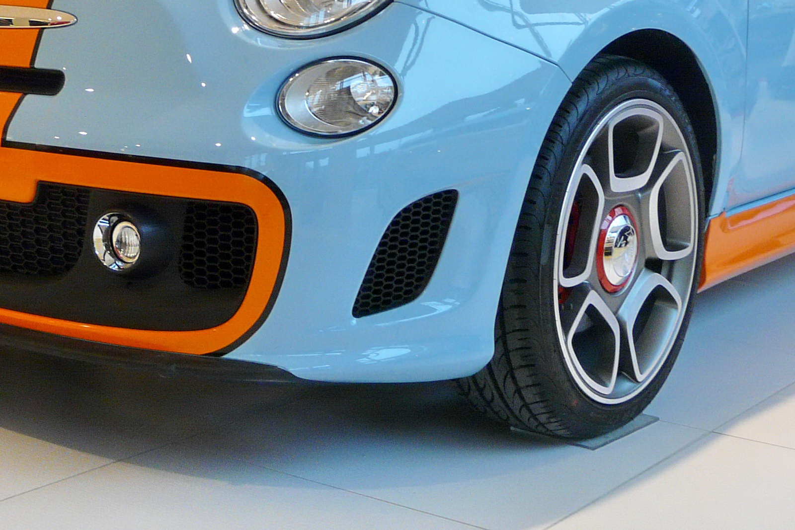 2011 Limited Edition Fiat Abarth 500 Gulf - Concept Car
