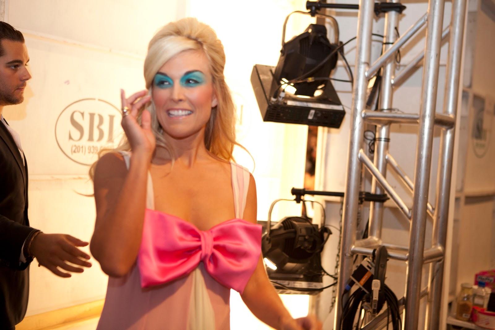 http://2.bp.blogspot.com/_D_lIebfanEw/TKtmCzZzBCI/AAAAAAAABHs/3eeyp1sSgss/s1600/Richie_backstage_2010++%28191+of+205%29.jpg