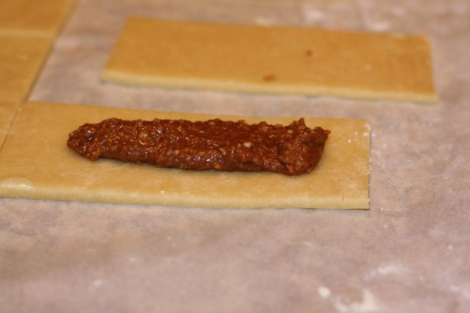 sunday sweets: cinnamon-sugar pastry pockets