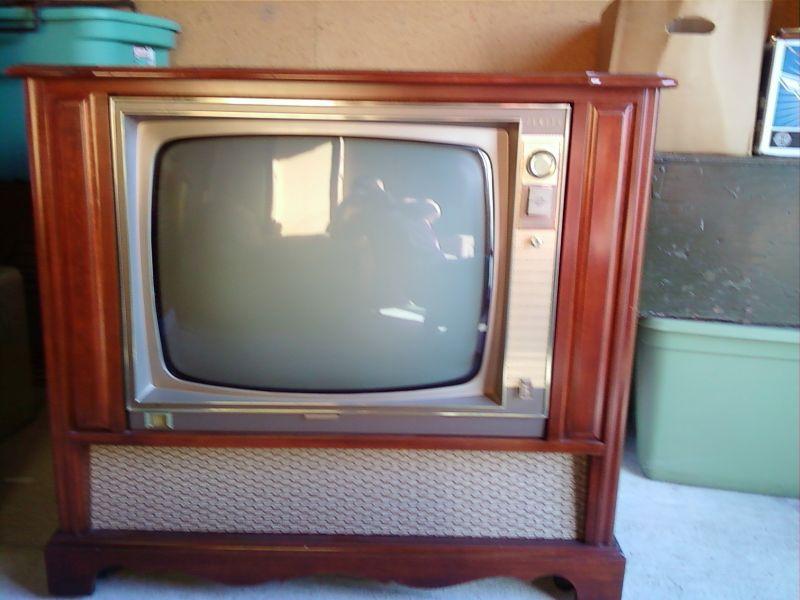 Cul de sac shack my new vintage zenith console tv
