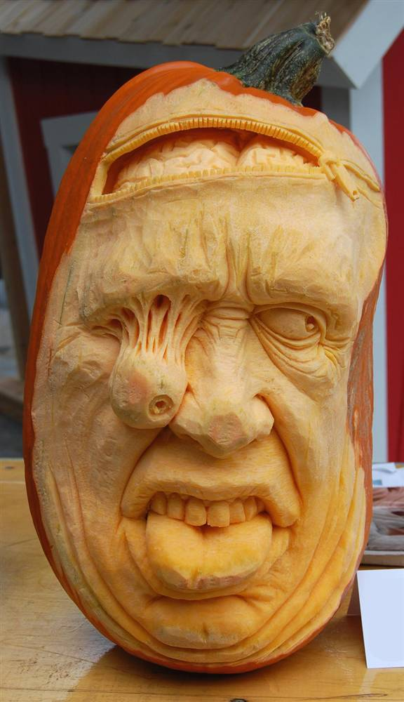 Joke a day amazing pumpkin sculptures by ray villafane