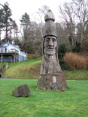 Sculpture of Chinook Indian