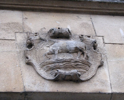 The Oxford ox in a stone crest, Oxford, England