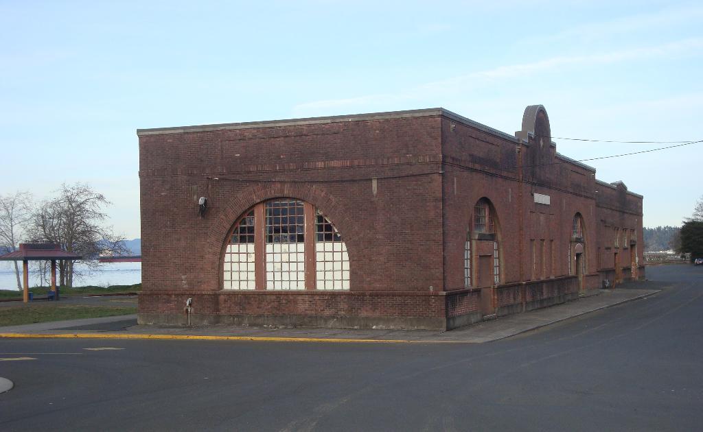 Astoria Train Station