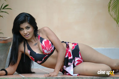 aarthi puri HOT PHOTOS