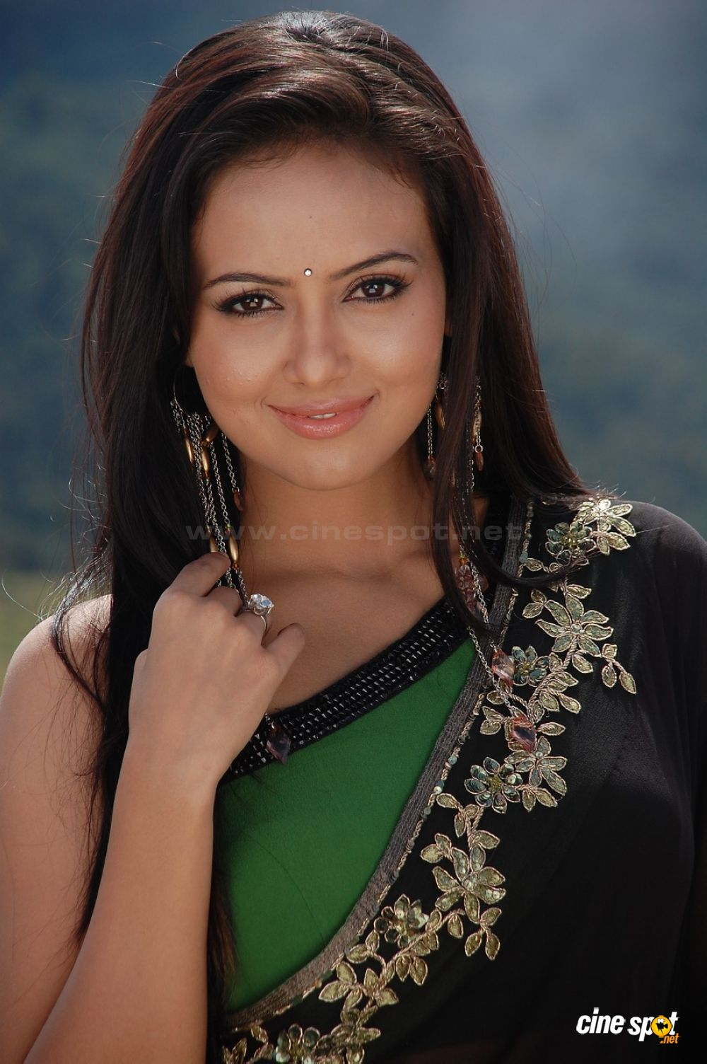Download this Hot Sexy Photos Pics Sana Khan Telugu Movie Actress Spicy picture