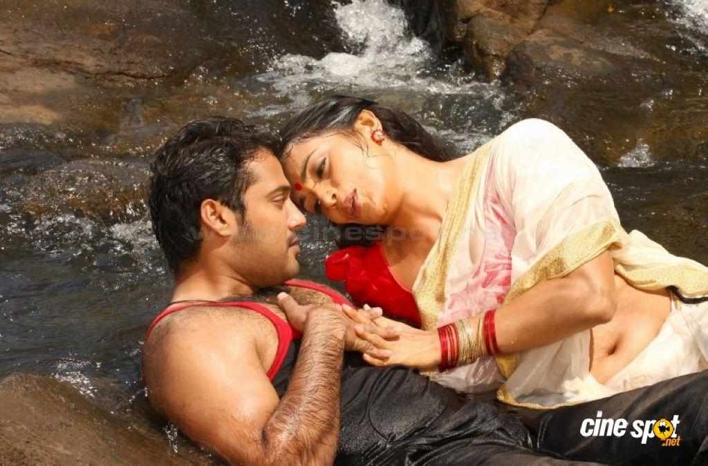 pics web swetha menon actress in kayam malayalam movie