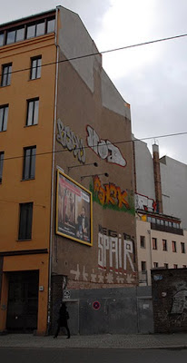 DESIGN GRAFFITI ROLL UP COMPLETE
