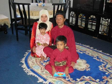 Azeman : gambar keluarga waktu raya di Lepar