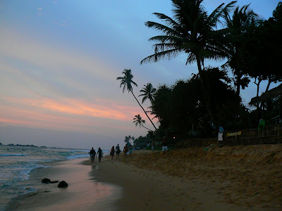 Imagini Sri Lanka: plaja din Hikkaduwa