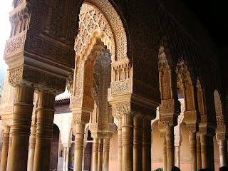 Imagini Granada: Alhambra, coloane sculptate