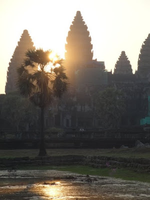 Rasarit la Angkor Wat Cambogia