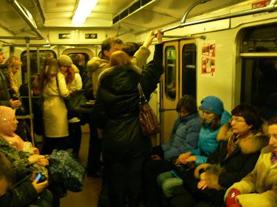 Imagini Rusia: vagon metro Moscova