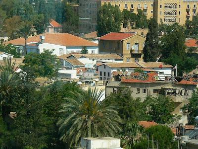 Imagini Nicosia: Linia Verde vazuta din Ledra Observatory
