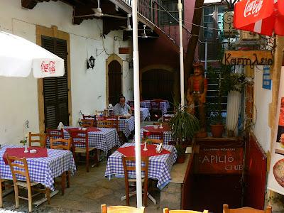 Imagini Cipru: zona cu restaurante din Nicosia