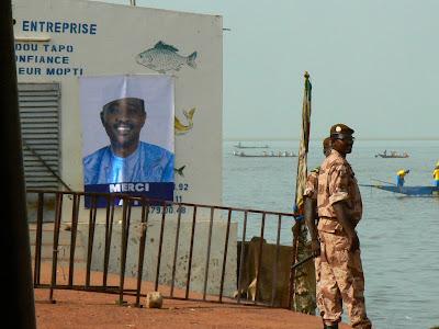 Eveniment Mali: concurs pirogi Mopti poza ATT