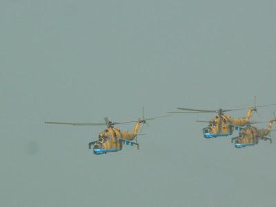 concurs pirogi Mopti, parada elicoptere