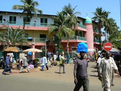Imagini Mali: principalul bulevard din Bamako