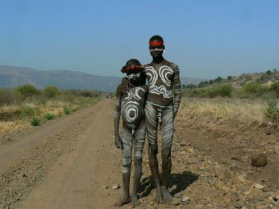Obiective turistice Etiopia: baieti goi - mursi