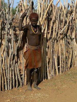 Imagini Etiopia: adolescenta topless Hamer