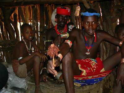 Imagini Etiopia: barbati cool - Hammer