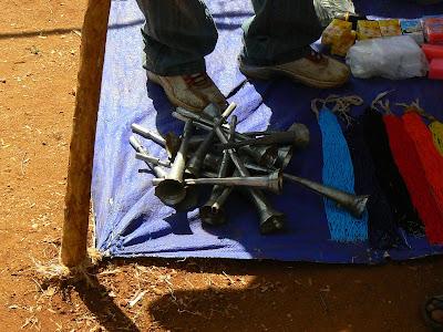 Imagini Etiopia: targ in Africa - vuvuzele Hamer