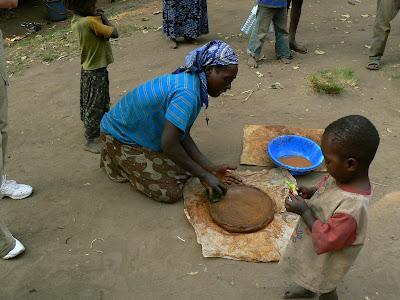 Imagini Etiopia: femeie ari practicand olarit